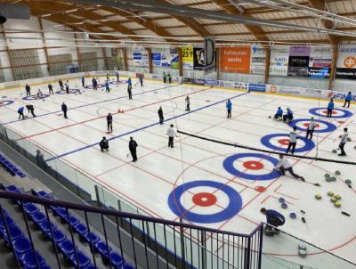 Alavuden Curling ry järjestää valtakunnallisen curling turnauksen 13.-15.8.2021 Alavus Areenalla.
